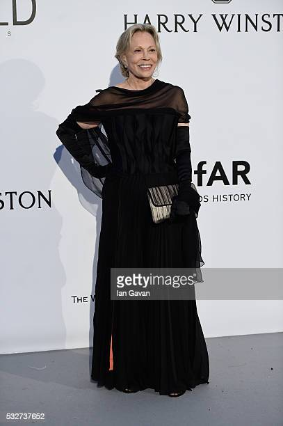Faye Dunaway arrives at amfAR's 23rd Cinema Against AIDS Gala at Hotel du CapEdenRoc on May 19 2016 in Cap d'Antibes France
