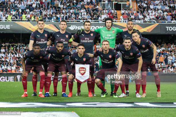 Fc Arsenal players pose for a team photo prior to the UEFA Europa League Semi Final Second Leg match between Valencia and Arsenal at Estadio Mestalla...