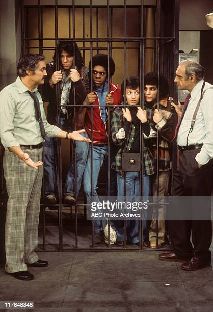 MILLER 'Fear of Flying' with Cast of 'Welcome Back Kotter' Airdate January 29 1976 HAL
