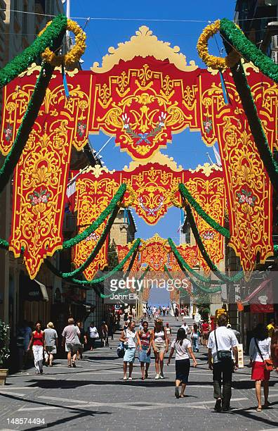 Feast Day banners, Triq ir Repubblika.