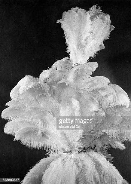 Feathers of the revue 'Weisse Feder' at the Berlin Press Ball - Photographer: Max Ehlert- Published by: 'Berliner Illustrirte Zeitung' 04/1939Vintage...