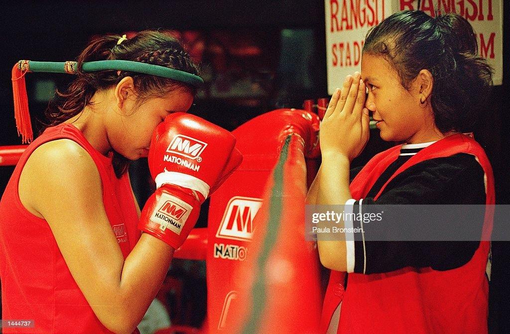 Women Kick Boxers in Thailand : News Photo