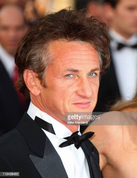 """Feature Film Jury President Sean Penn arrives at the """"Blindness"""" premiere during the 61st Cannes International Film Festival on May 14, 2008 in..."""