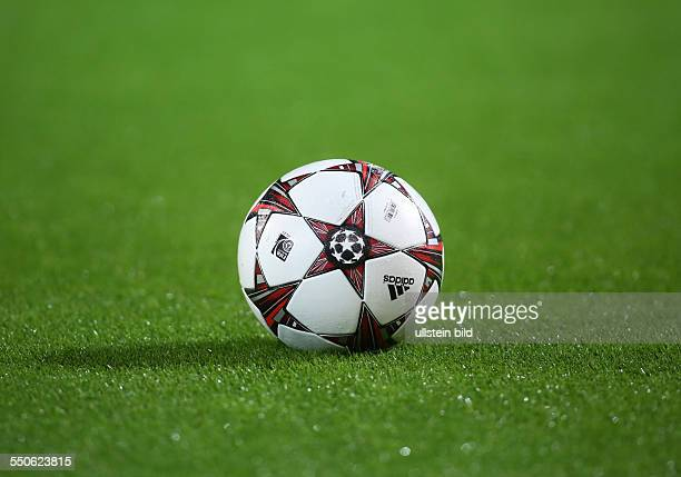 World S Best Fussball Rasen Stock Pictures Photos And