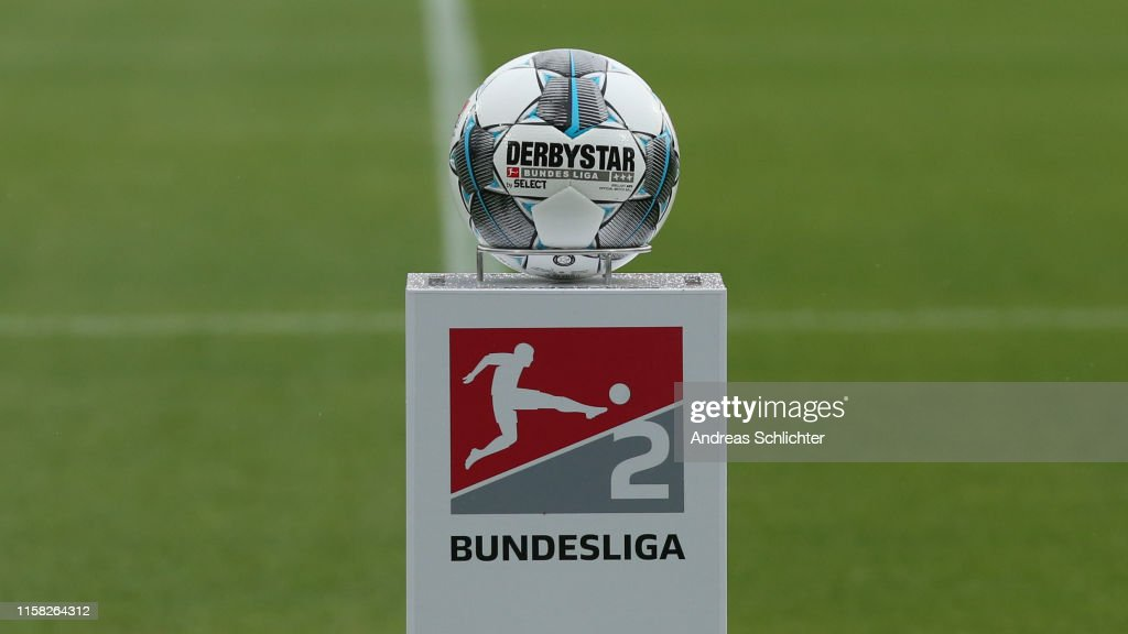 SV Wehen Wiesbaden v Karlsruher SC - Second Bundesliga : News Photo