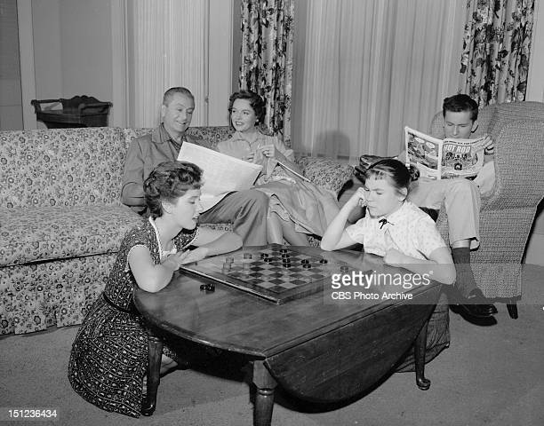BEST featuring Elinor Donahue and Lauren Chapin From left Robert Young Jane Wyatt and Billy Gray Image dated December 11 1958