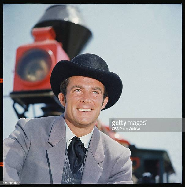 WEST featuring Robert Conrad 1967
