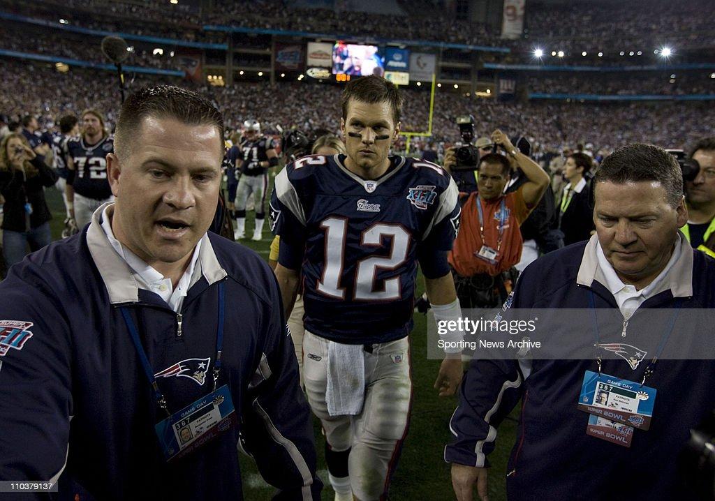 2008 NFL Super Bowl XLII - Underdog Giants UPSET Patriots 17-14 : News Photo