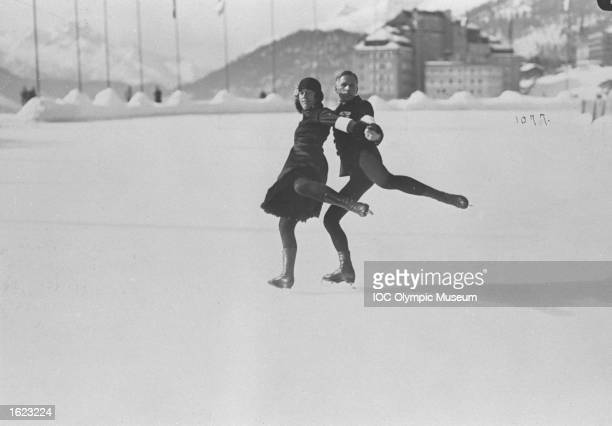 Mr and Mrs Jakobsson of Finland in action during the the Pairs Figure Skating event at the 1928 Winter Olympic Games in St Moritz Switzerland The...