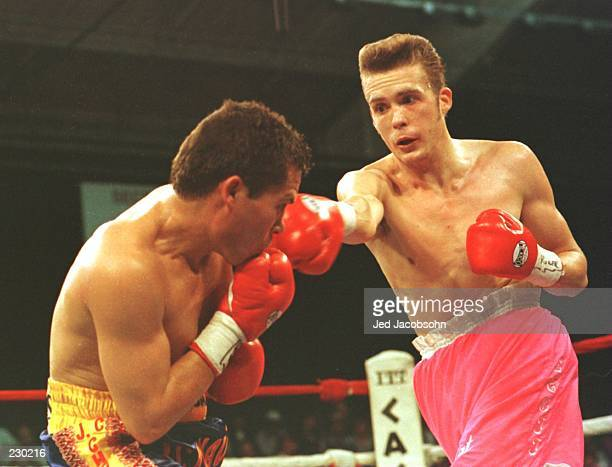 Julio Cesar Chavez pulls back in defense to avoid a punch by Scott Walker during the second round of the bout at Caesars Palace in Las Vegas Nevada...