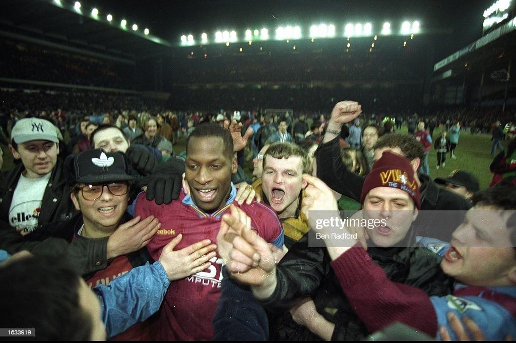 Ugo Ehiogu of Aston Villa : News Photo