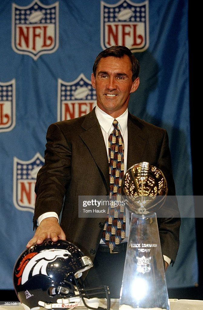 Mike Shanahan : News Photo