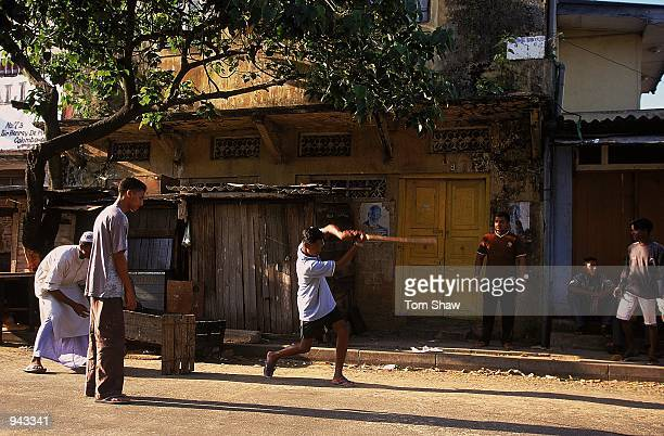 Local children playing cricket on the streets during the England tour to Sri Lanka Mandatory Credit Tom Shaw /Allsport