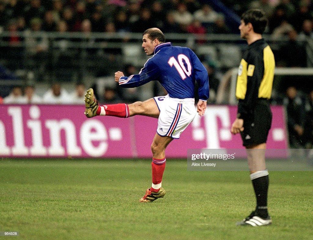 Zinedine Zidane : News Photo