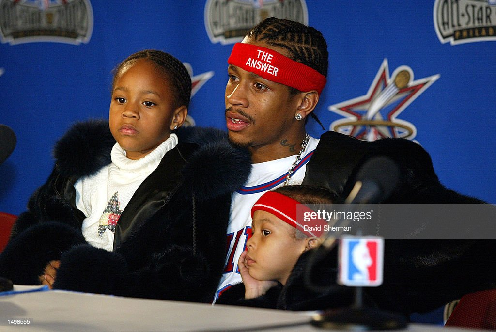 Allen Iverson of the Philadelphia 76ers meets with the media : News Photo