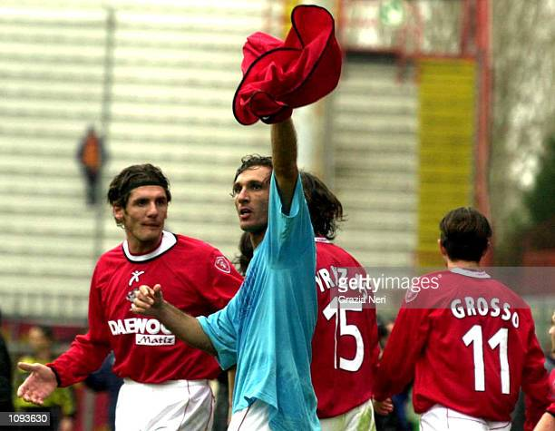 Fabio Bazzani of Perugia celebrates scoring during the Serie A match between Perugia and Lecce, played at the Reanto Curi Stadium, Perugia. DIGITAL...