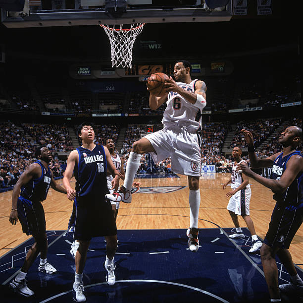 Kenyon Martin  6 of the New Jersey Nets shoots. Pictures  766a64099