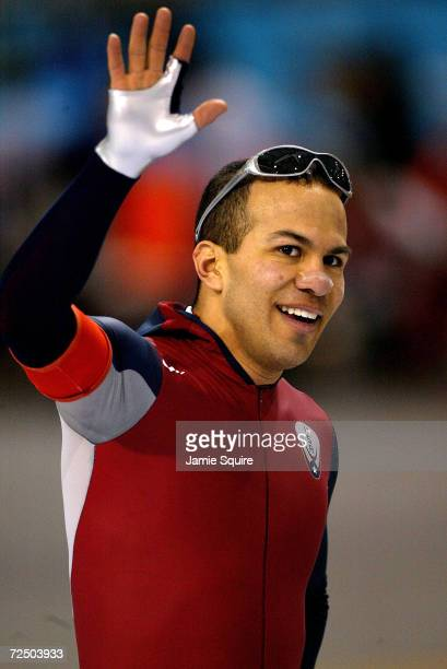 Gold medal winner Derek Parra of the USA waves to the crowd after his men's 1500m speed skating event during the Salt Lake City Winter Olympic Games...