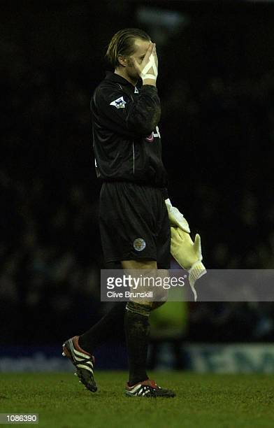 Leicester goal keeper Ian Walker leaves the pitch after a 32 defeat to Chelsea during the FA Barclaycard Premiership match between Leicester City and...