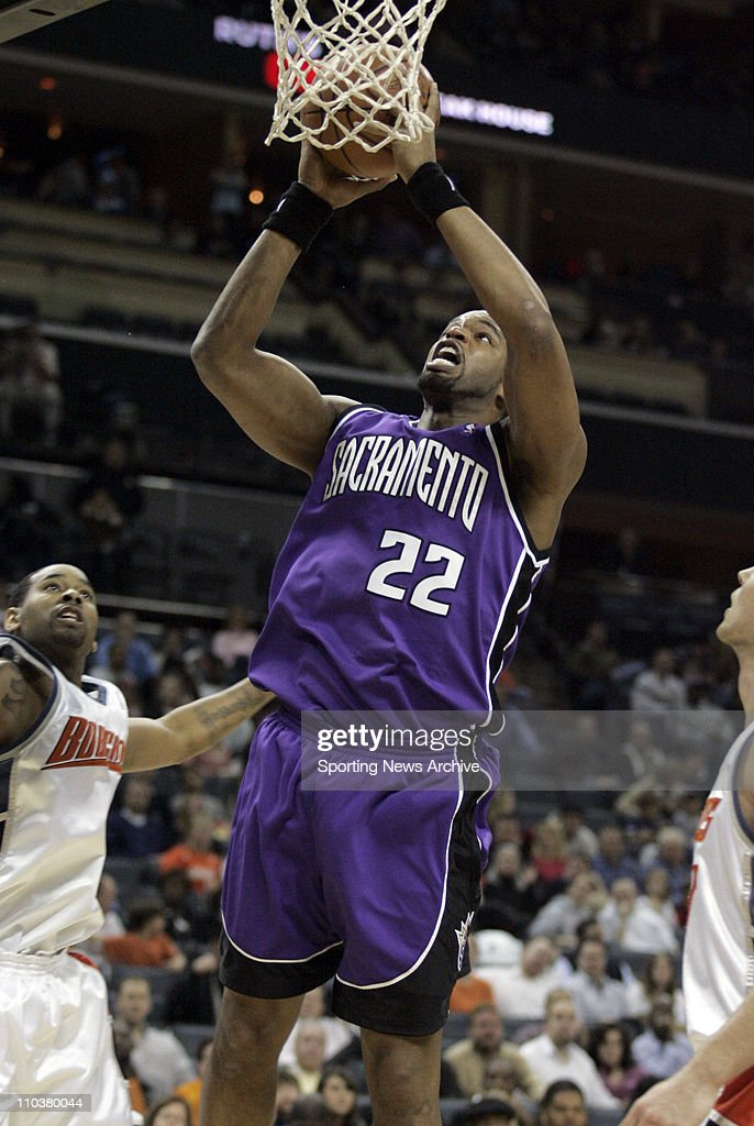 NBA 2008 - Kings Beat Bobcats 116-115 : News Photo