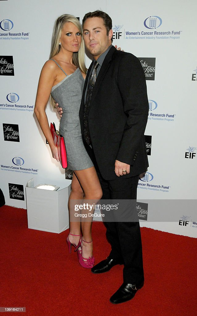 Saks Fifth Avenue's 'Unforgettable Evening' ; Benefiting EIF's Women's Cancer Research Fund : News Photo