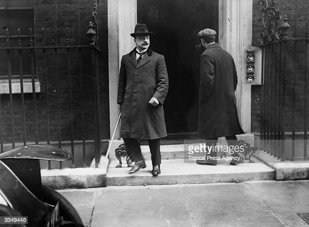 Irish journalist, founder of Sinn Fein and chief negotiator of the Irish Treaty Delegation Arthur Griffith leaving 10 Downing Street, London.