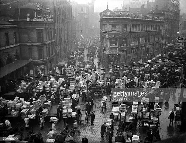 February 1937 London England An early morning picture of the busy traders at Londons Billingsgate Fish Market