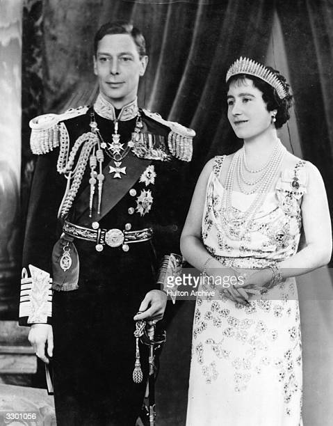 Official photo of King George VI and Queen Elizabeth in 1937.