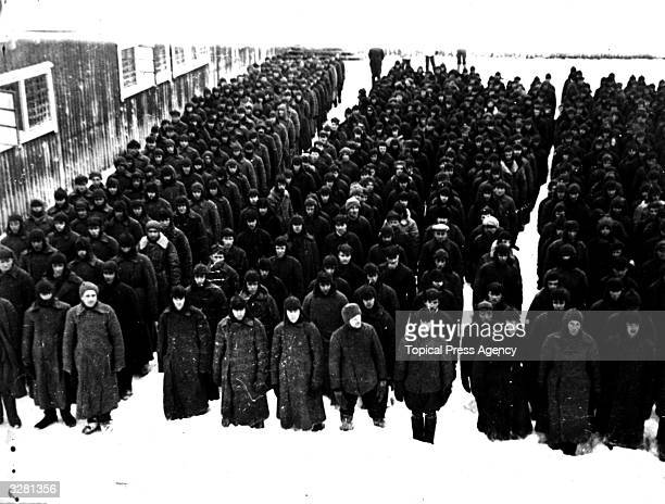 Some of the 2000 Russian soldiers captured after the battle of Suomussalmi.