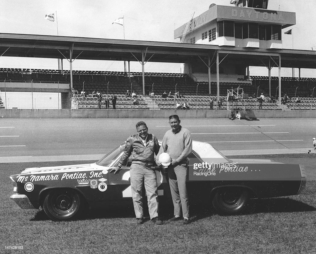 """Driver Glen """"Fireball"""" Roberts won the pole position for the Daytona...  News Photo - Getty Images"""