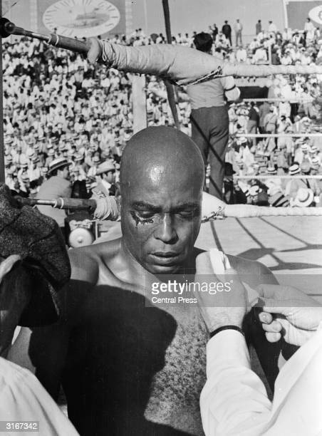 American actor James Earl Jones plays boxer Jack Johnson in Barcelona for William Cayton's documentary feature film 'Jack Johnson The Big Fights' In...