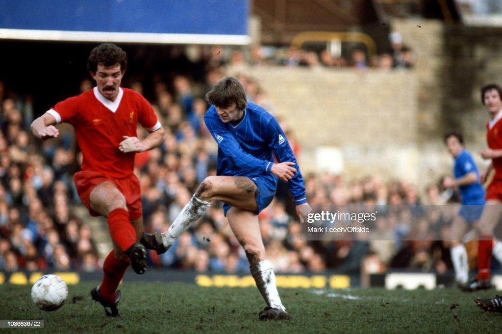 Chelsea v Liverpool 1982 : ニュース写真