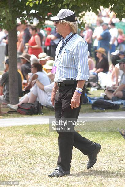 7 February 2004 GLENN WHEATLEY at the Melbourne Exhibition Centre on the first day of the Melbourne International Music and Blues Festival 2004...