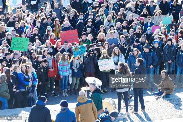 Pupils demonstrate for climate protection in Inavlidenpark In many cities students take to the streets under the motto Fridays for Future to protest...