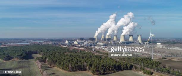 17 February 2019 Brandenburg Jänschwalde Water vapour rises from the cooling towers of the Jänschwalde lignitefired power plant of Lausitz Energie...