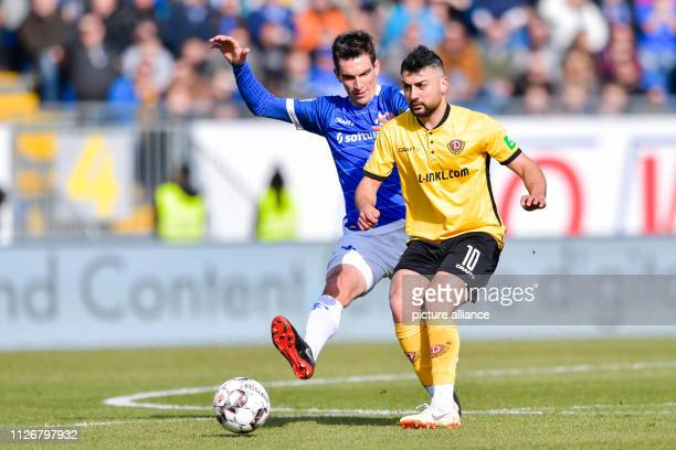 Soccer 2nd Bundesliga SV Darmstadt 98 Dynamo Dresden 23rd matchday in the Merck Stadium at Böllenfalltor Darmstadt's Christoph Moritz and Dresden's...