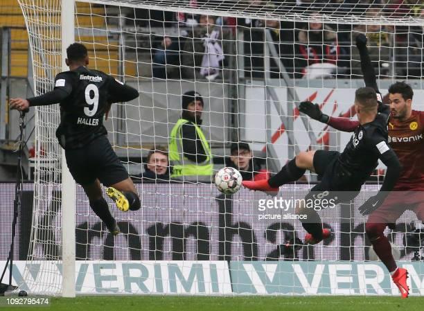 Soccer Bundesliga Eintracht Frankfurt Borussia Dortmund 20th matchday in the CommerzbankArena Luka Jovic from Eintracht shoots the ball 11 into the...