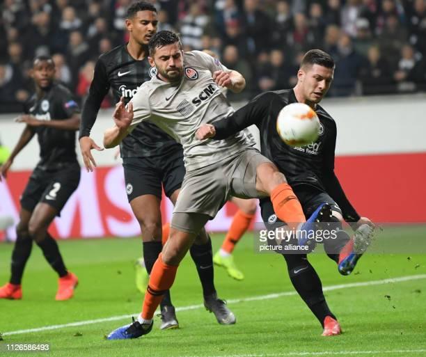 Soccer Europa League Eintracht Frankfurt Schachtjor Donezk knockout round intermediate round return match in the Commerzbank Arena Frankfurt's Luka...