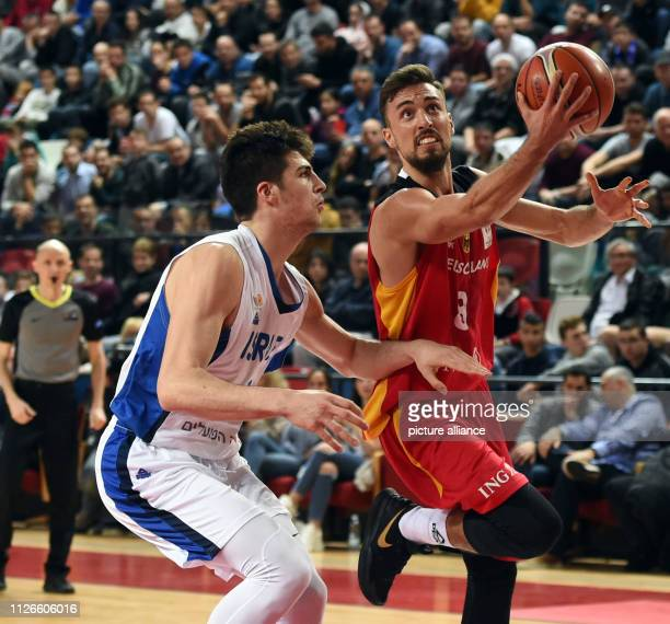 Basketball World Cup Qualification Europe Round 2 Group L Matchday 5 Israel Germany in the Shlomo Group Arena Ismet Akpinar from Germany in a duel...
