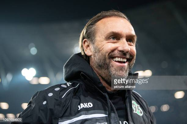Soccer Bundesliga Hannover 96 RB Leipzig 20th matchday in the HDIArena Hanover coach Thomas Doll comes to the stadium Photo Swen Pförtner/dpa...