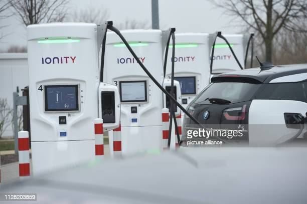 """February 2019, Mecklenburg-Western Pomerania, Jarmen: Demminer Land"""" tank and rest area on the A20. The service area has four charging points with..."""