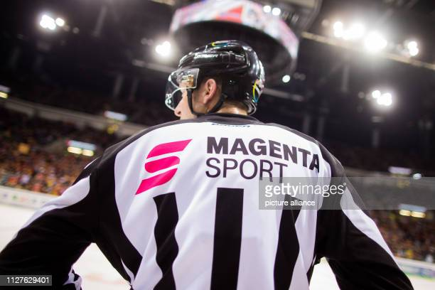 26 February 2019 North RhineWestphalia Düsseldorf Ice hockey DEL Düsseldorfer EG Kölner Haie main round 38th matchday in the ISS Dome Referee with...