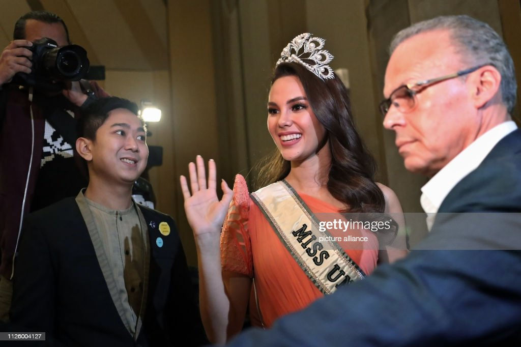 homecoming de miss universe 2018. - Página 4 February-2019-philippines-manila-miss-universe-catriona-gray-is-to-a-picture-id1126004127