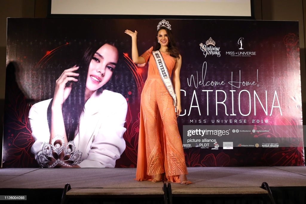 homecoming de miss universe 2018. - Página 4 February-2019-philippines-manila-miss-universe-catriona-gray-waves-picture-id1126004093