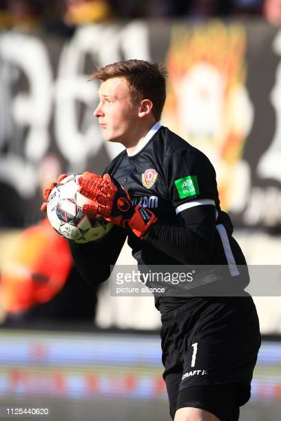 Soccer 2nd Bundesliga 22nd matchday SG Dynamo Dresden SSV Jahn Regensburg in the Rudolf Harbig Stadium Dresden goalkeeper Markus Schubert with the...