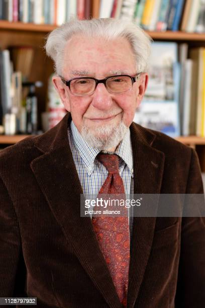 27 February 2019 SchleswigHolstein Kiel Gotthilf Hempel stands in front of a bookshelf in his house in Molfsee The scientist was cofounder of the...