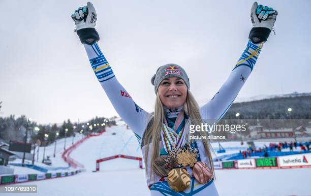 Alpine skiing world championship downhill ladies Lindsey Vonn from the USA poses after the race with the medals of her career Photo Michael...