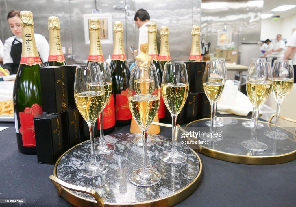Champagne for the Oscar dinner : ニュース写真