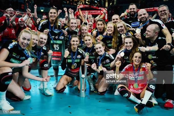 16 February 2020 BadenWuerttemberg Mannheim Volleyball women DVV Cup Final Dresdner SC MTV Stuttgart SAP Arena Dresden's team cheers for victory with...