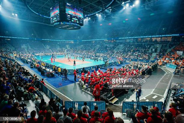 16 February 2020 BadenWuerttemberg Mannheim Volleyball women DVV Cup Final Dresdner SC MTV Stuttgart SAP Arena The two teams are on the field of play...